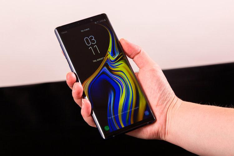 Samsung Galaxy Note 9 430 EUR S9 300 EUR Apple iPhone Xs 0
