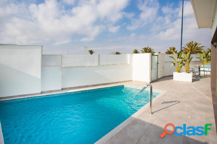 Chalet independiente con piscina a 1 minuto de campo de golf y a 3km de playa. Costa Cálida 1