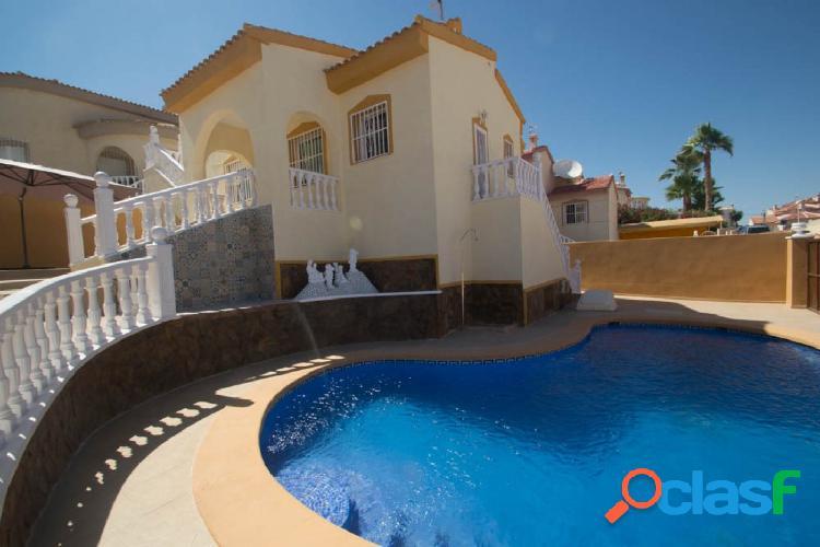 Chalet independiente reformado con piscina en Ciudad Quesada, Rojales. 1