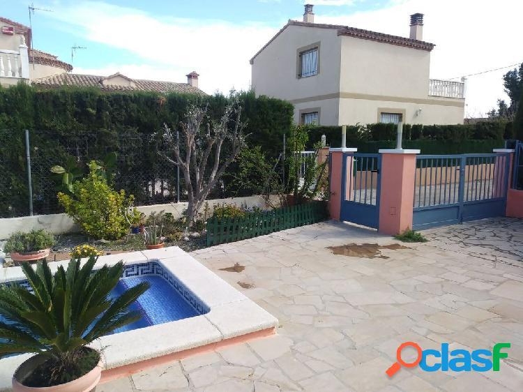 Chalet independiente 100 m2 con 3 dormitorios y piscina en L´Ametlla de mar 1