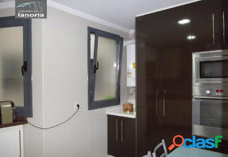 la noria vende piso de 3 dormitorios 2 baños, con la cocina equipada y baños completos. 3