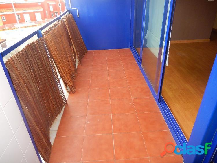 Apartamento seminuevo con 3 dormitorios, 2 baños en Santa Pola 3