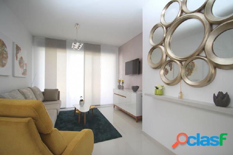 Modernos apartamentos de 2 dormitorios y 2 baños a muy buen precio y a escasos metros de la playa. 1