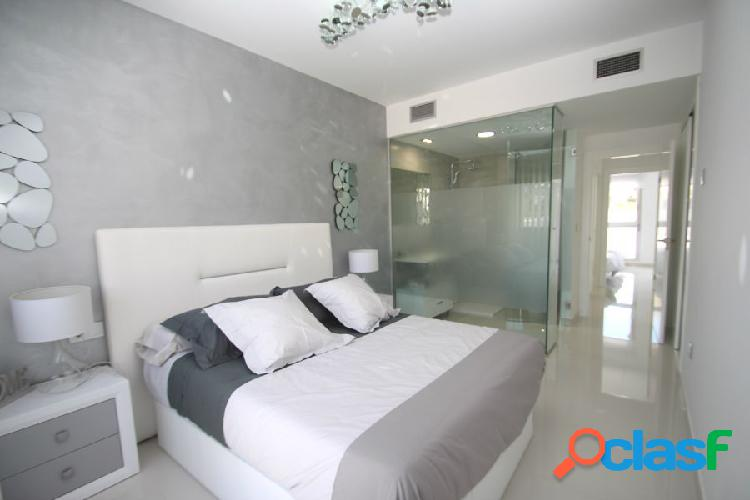 Modernos apartamentos de 2 dormitorios y 2 baños a muy buen precio y a escasos metros de la playa. 3