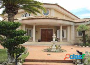 Chalet independiente a la venta en Bétera (Valencia) 2
