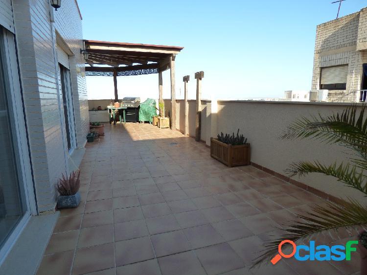 Ático de lujo con gran terraza en El Ejido 1