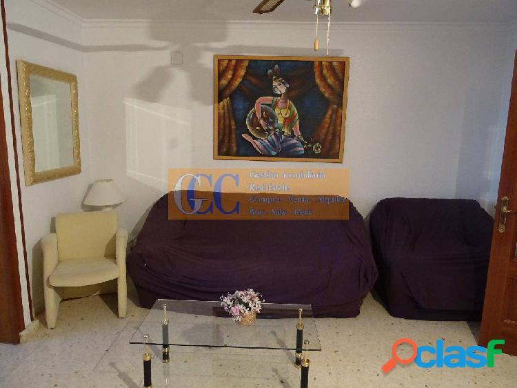 Piso de 3 dormitorios en calle Gerona 3