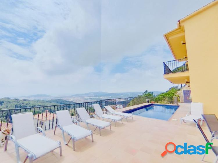 Casa moderna en Lloret de Mar con piscina privada y unas increíbles vistas al mar, con licencia turística 2