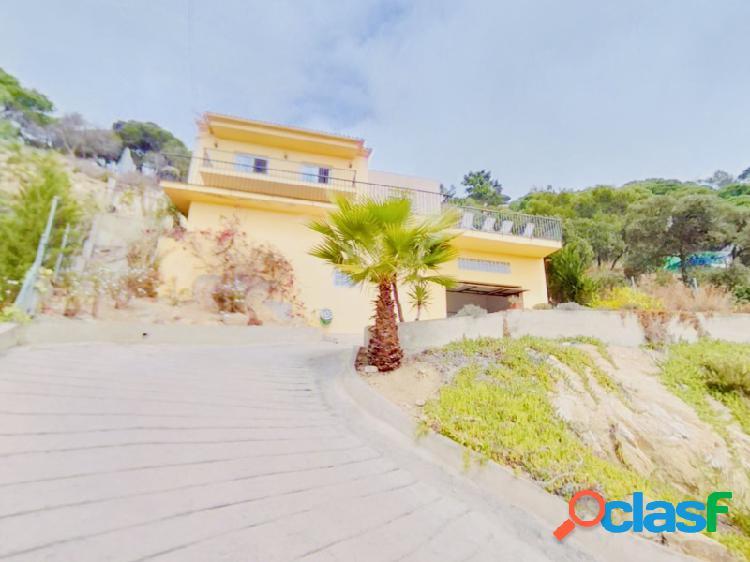 Casa moderna en Lloret de Mar con piscina privada y unas increíbles vistas al mar, con licencia turística 3