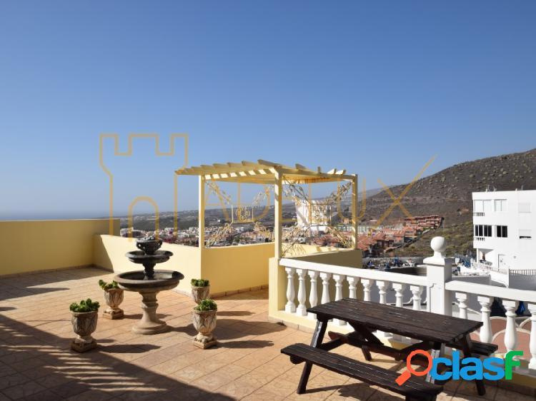 Chalet independiente con preciosas vistas a mar y montaña en venta en Torviscas Alto, Costa Adeje 1