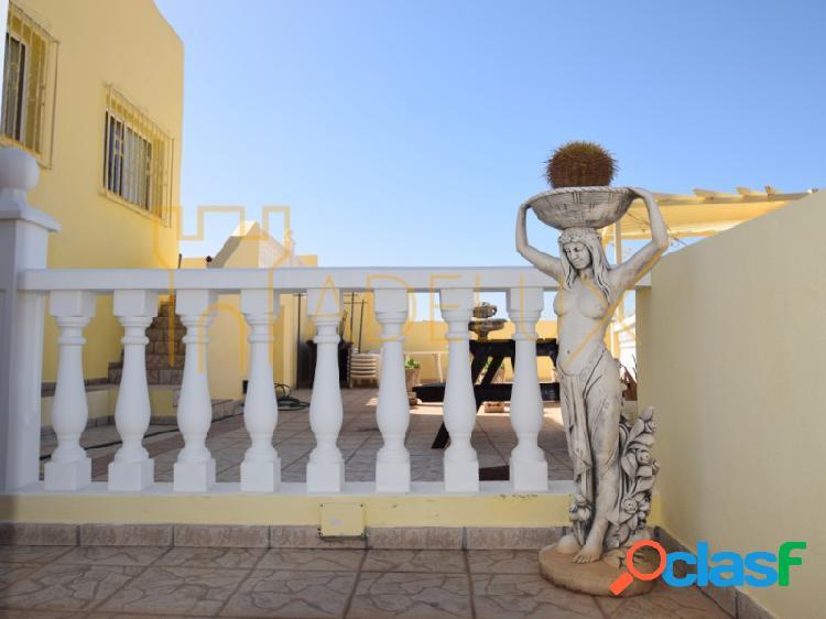 Chalet independiente con preciosas vistas a mar y montaña en venta en Torviscas Alto, Costa Adeje 2
