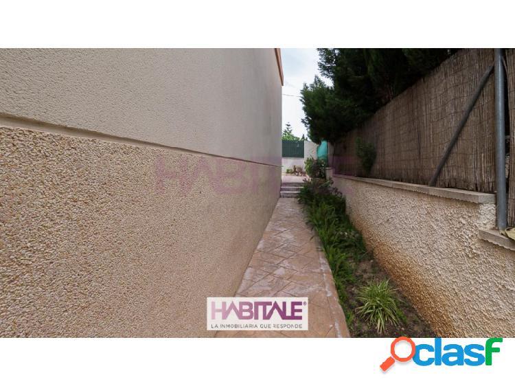 Chalet con bonito porche en urbanización cerca de Nàquera 1