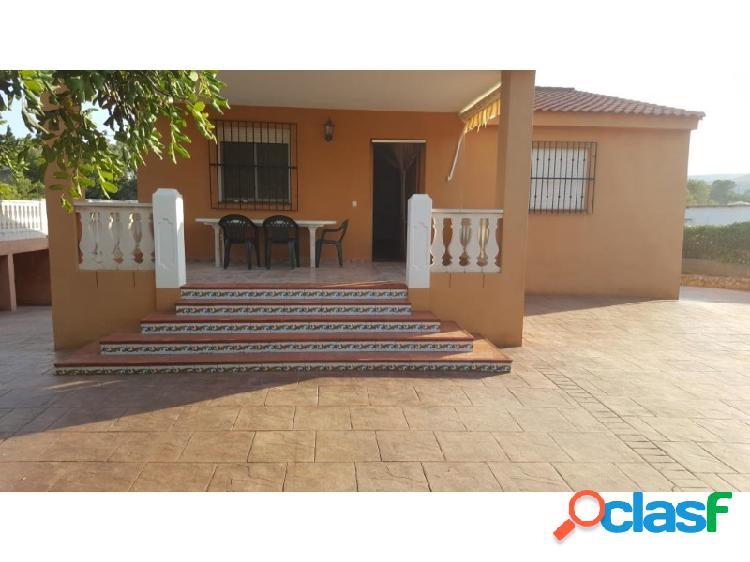 Chalet pavimentado con piscina en venta en la urbanización privada de san Cristobal. 1