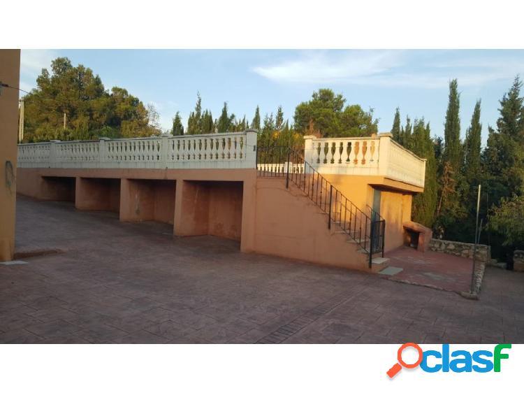 Chalet pavimentado con piscina en venta en la urbanización privada de san Cristobal. 2
