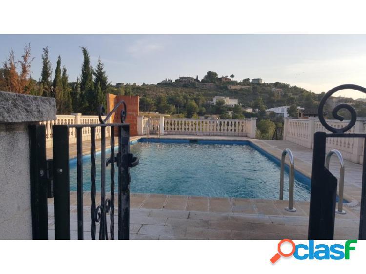 Chalet pavimentado con piscina en venta en la urbanización privada de san Cristobal. 3