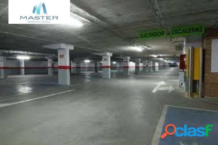 Plazas de garaje en el parking del Castillo 1