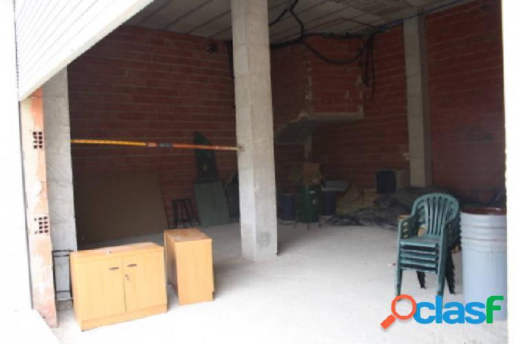 Local comercial en Orihuela, 141 m2. de superficie, zona frente parking Supermercado Lidl. 1