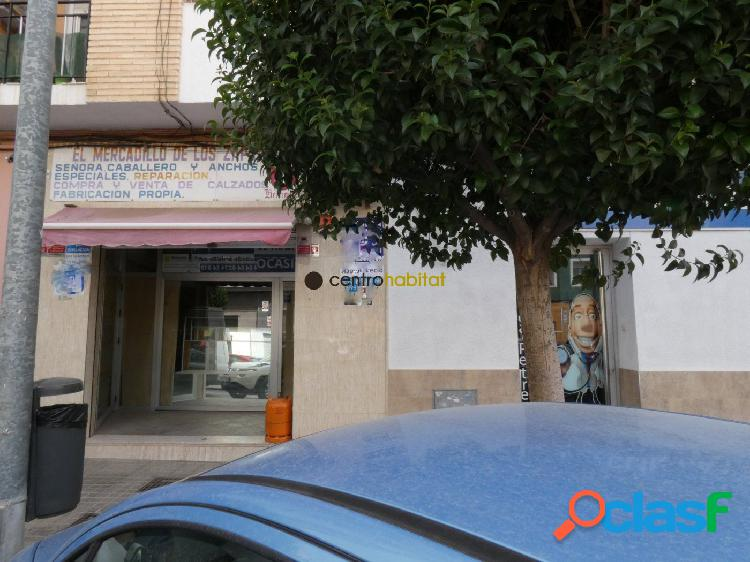 Local comercial en Avenida de Madrid 1
