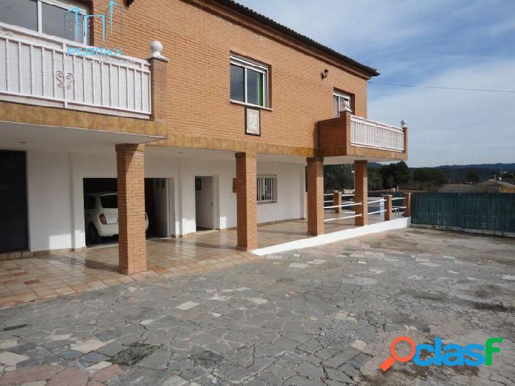 Preciosa Torre con parcela de 1.400 m2 / zona de piscina y barbacoa, Sant Llorenç Savall 2