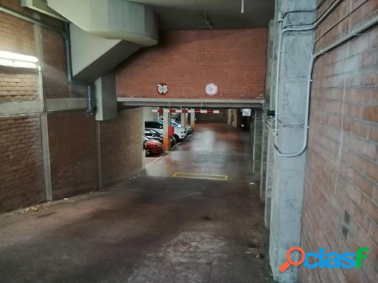 Parking en Calle SARDENYA 480 1