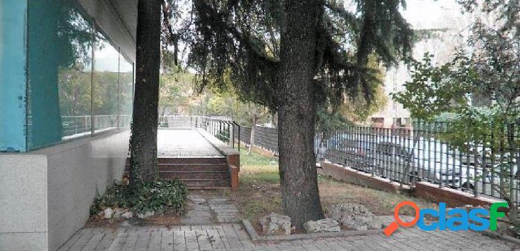 SE VENDE LOCAL COMERCIAL EN DISTRITO DE CIUDAD LINEAL, MADRID. 2