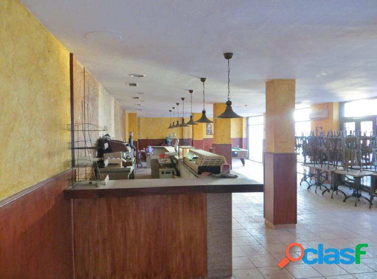 Local comercial dos fachadas,SIN SALIDA HUMOS a 2 min de Estación AVE 1