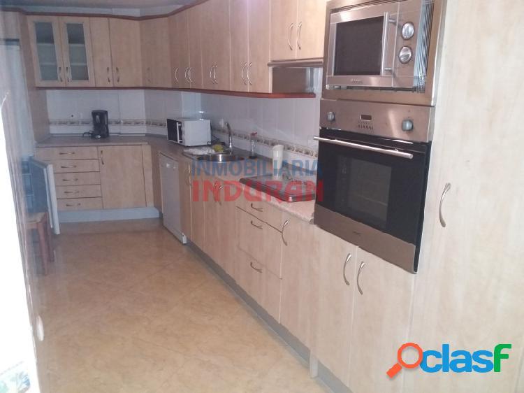 Piso abuhardillado de 80 m2 con 3 dormitorios situado en zona centro (Navalmoral de la Mata) 2