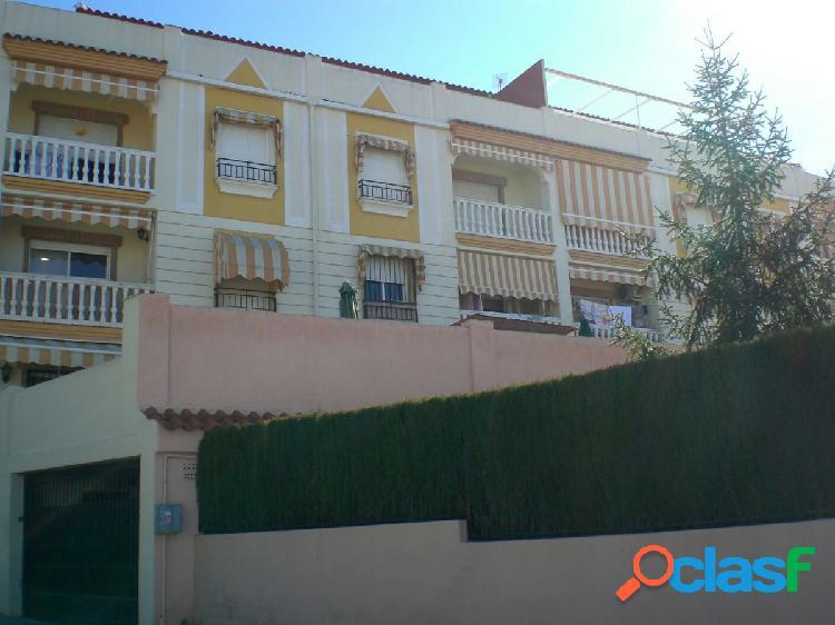 Piso de 3 dormitorios en Gójar soleado, con vistas y piscina comunitaria 2