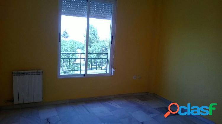 Piso de 3 dormitorios en Gójar soleado, con vistas y piscina comunitaria 3