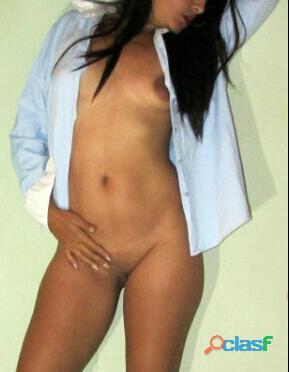 Soy Francesca, una hermosa chica latina totalmente natural 0