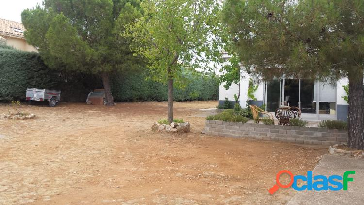CHALET INDEPENDIENTE CON PARCELA DE 2.500 M2 2