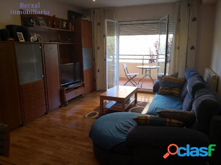 Piso magnifico de dos habitaciones, dos baños, cocina, salón, garaje, trastero en sótano y piscina. 2