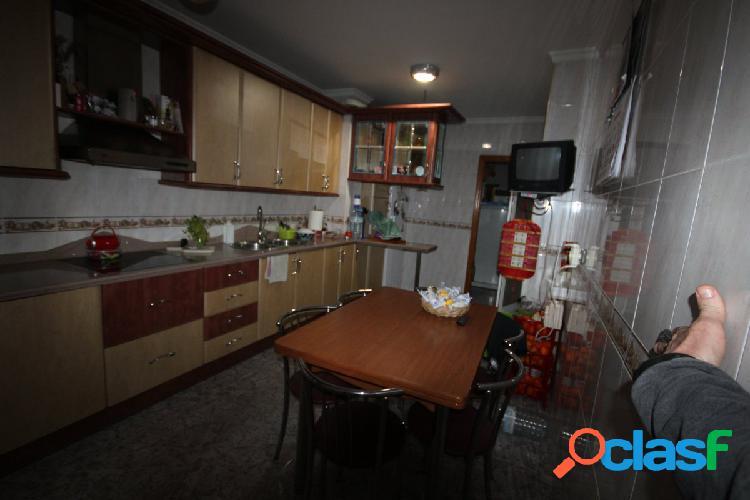 Casa sobre local en Zona Pintor Rosales,, 3