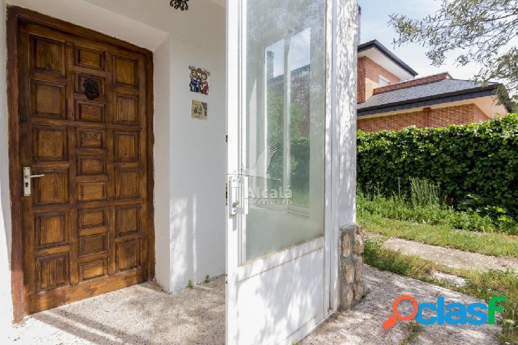 Chalet independiente en una de las mejores zonas residenciales de Villalbilla 3