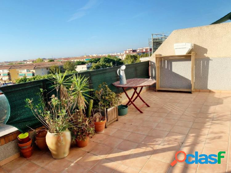 Ático duplex nuevo, con garaje, 2 habitaciones, terraza 46m. Massanassa. 2