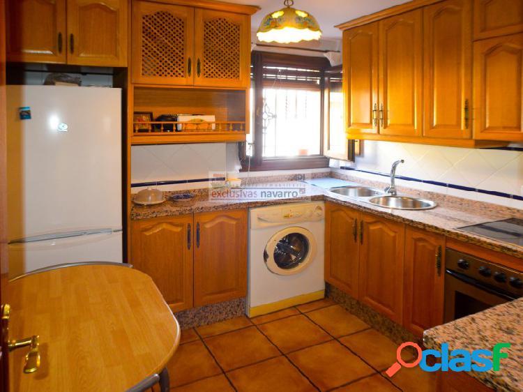 LA ZUBIA, bonito apartamento en la entrada, todo exterior, cocina independiente. 2