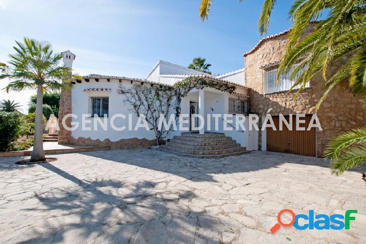 Chalet independiente con piscina y tenis en Els Poblets 2
