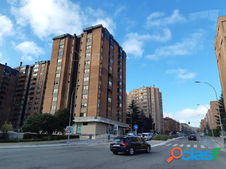 Excelente piso de dos habitaciones, 2 baños, con garaje y trastero en la mejor zona de Parquesol - Valladolid 1