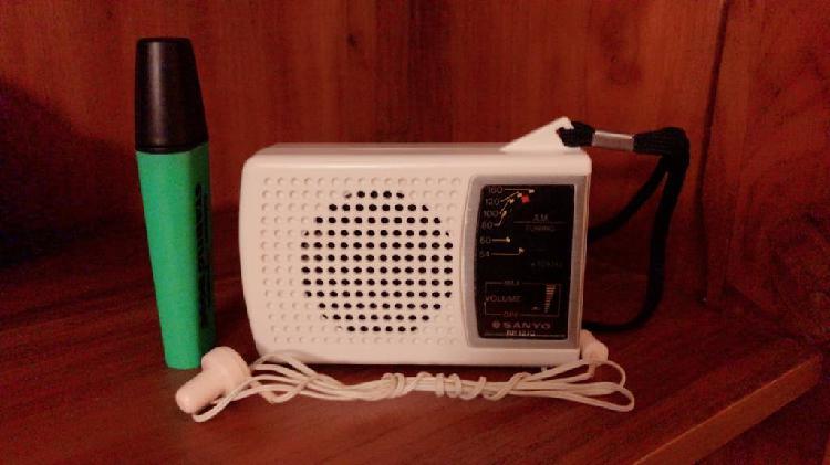 Radio Sanyo RP 1270, funciona, ver vídeo. 0