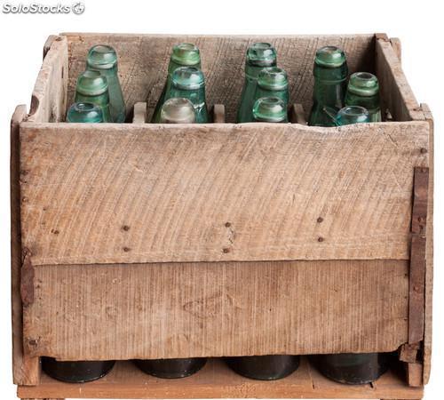 Caja cajas antigua de bebidas en madera y vintage 0