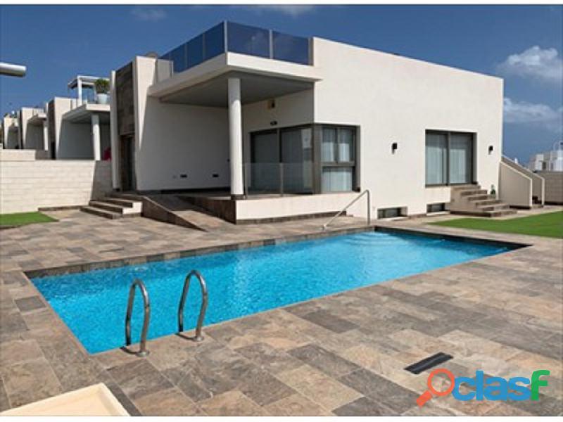 Villa 5 dormitorios a 4km de playa Flamenca