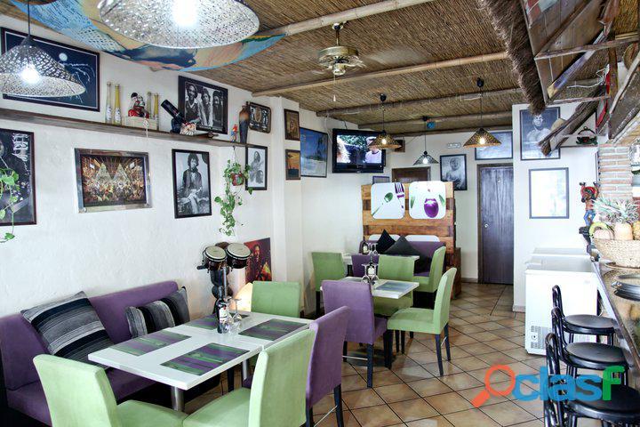 Bar restaurante se traspasa en marbella puerto deportivo