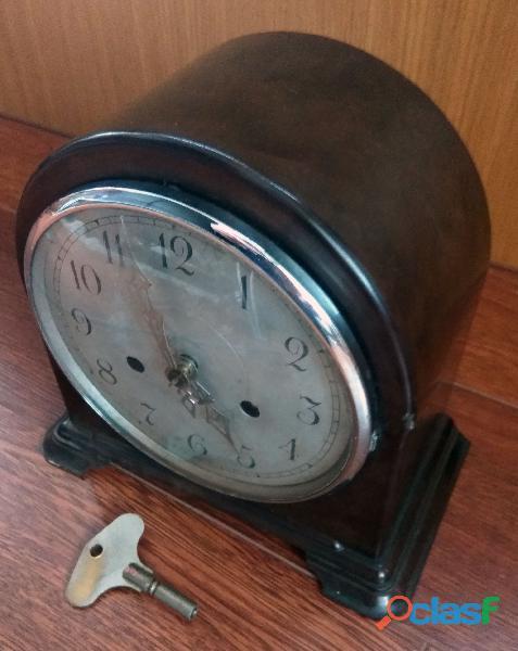 Antiguo reloj ingles, funcionando muy bien