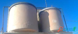 Retirar depósitos, bidones, recipientes o tanques fabricados con uralita, si tiene la duda si están
