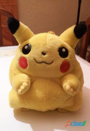 Peluche mochila pokémon pikachu