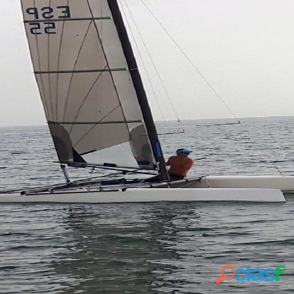 Se vende barco vela catamaran clase a flyer
