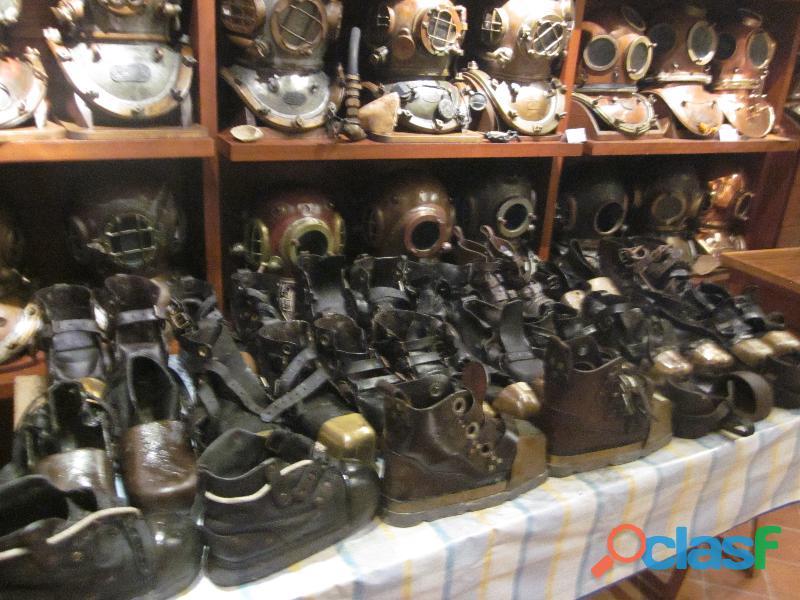 Compro todo tipo de botas de buzo antiguas