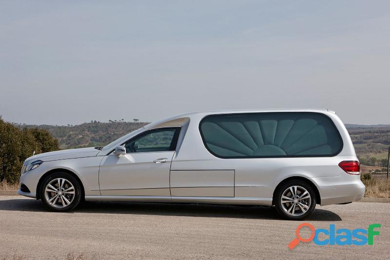 Se venden coches fúnebres