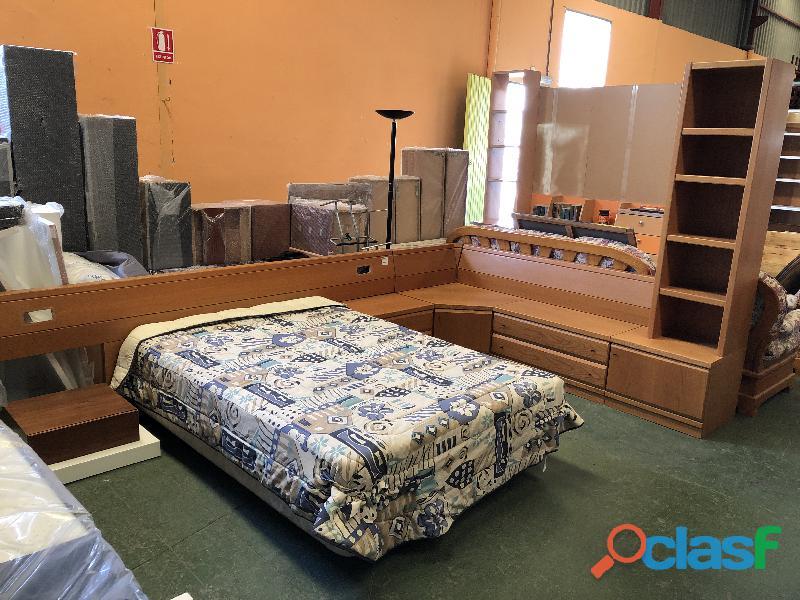 Cama 135cm + colchón + mueble aparador esquinero