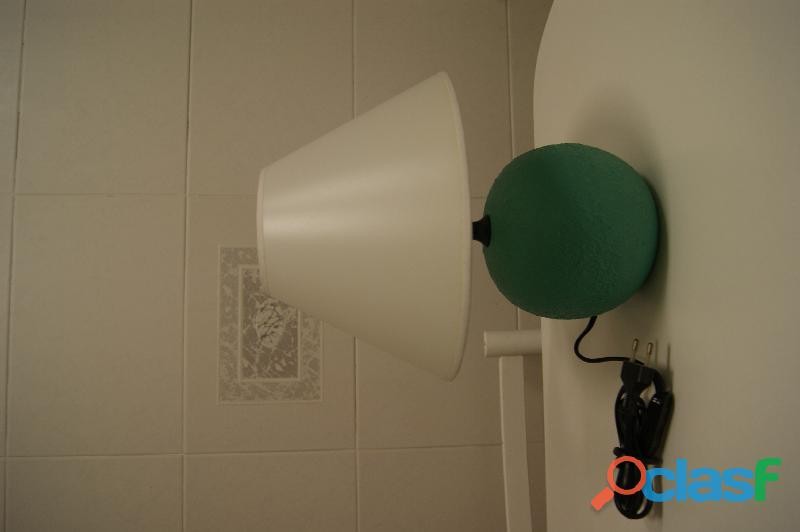 Lámpara sobremesa de cerámica en verde